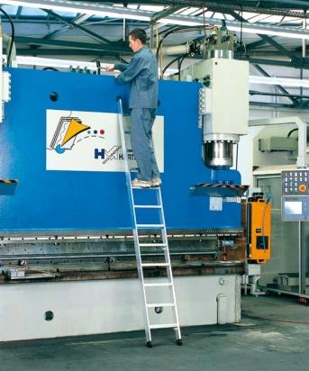 Leichtmetall-Stufen-Anlegeleiter Seventec