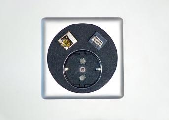 Moderne Netbox 3 Point (anstelle Kabeldurchlass)